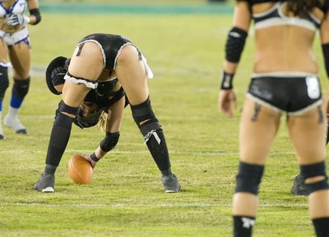 ランジェリー姿で戦うフットボールが海外にあると聞いてwwwww0018shikogin