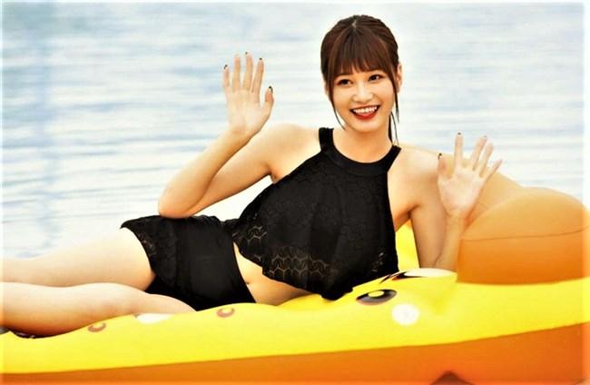 生見愛瑠~プールでの貴重な水着姿とウェディングドレス姿がエロ可愛い!0008shikogin