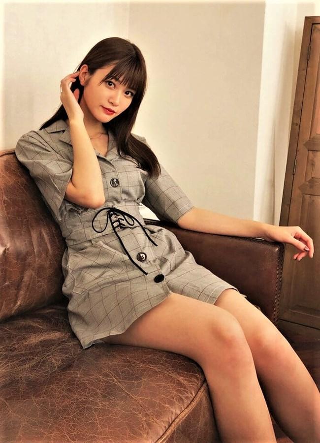 生見愛瑠~プールでの貴重な水着姿とウェディングドレス姿がエロ可愛い!0003shikogin
