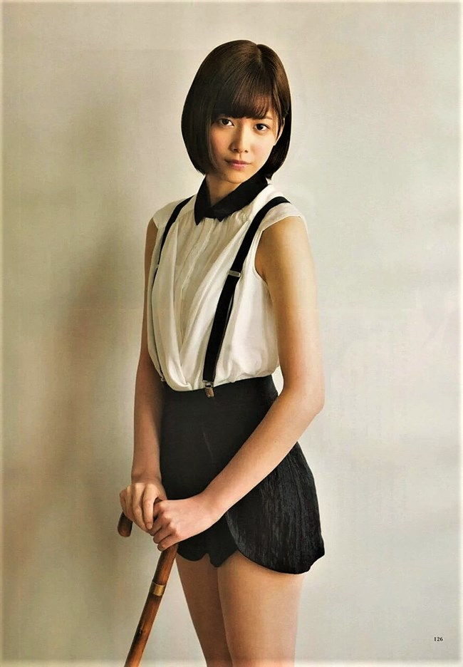 渡邉理佐[欅坂46]~白水着姿を含む1st写真集「無口」がベストセラーで売れ過ぎてる!0003shikogin