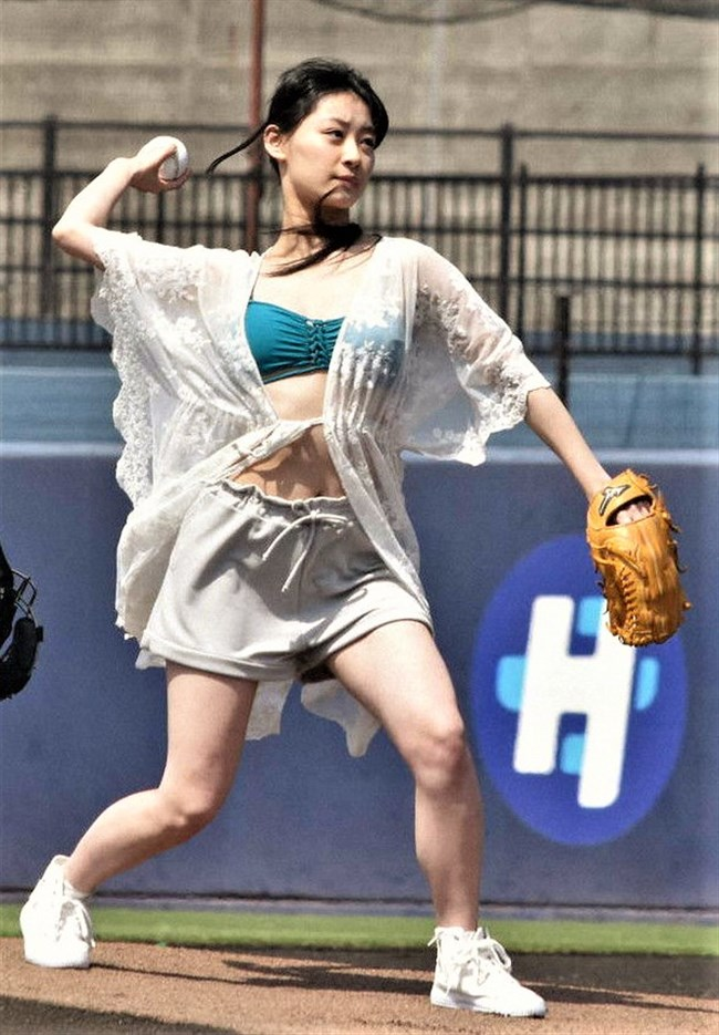 南衣伶夏~水着姿でのセンセーショナルな始球式で話題になった超美形アイドル!0010shikogin