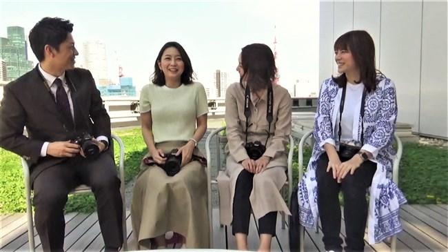 矢島悠子~ニット服姿で巨乳をブルンブルンさせて趣味のカメラを猛アピール!0005shikogin