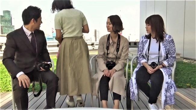 矢島悠子~ニット服姿で巨乳をブルンブルンさせて趣味のカメラを猛アピール!0009shikogin