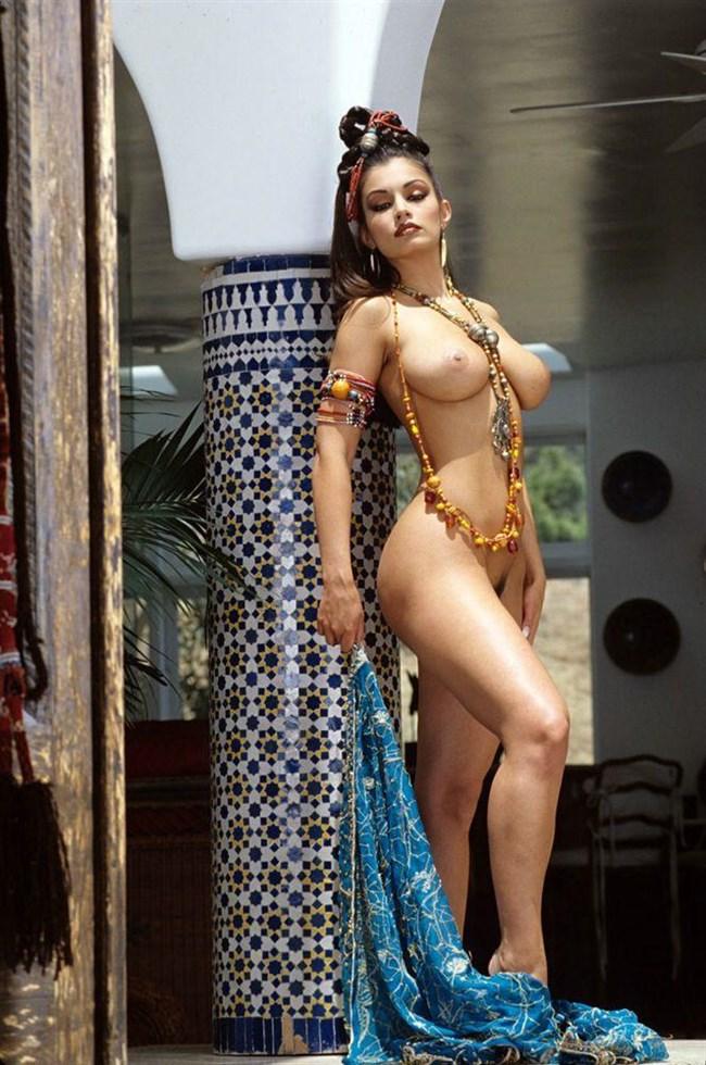 セクシーな民族衣装に身を包んだ外国人美女が抜けるwwwww0002shikogin