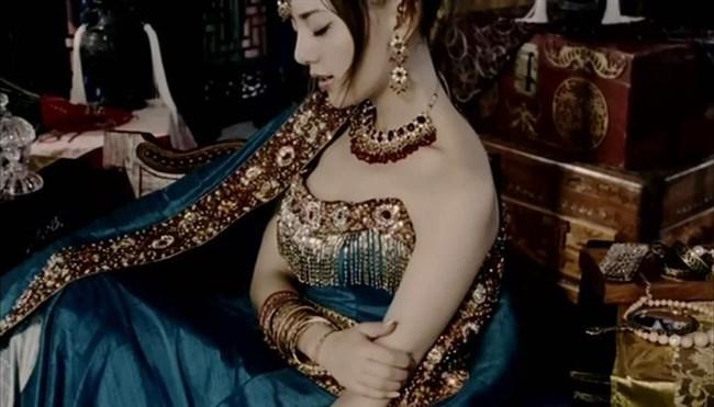 セクシーな民族衣装に身を包んだ外国人美女が抜けるwwwww0029shikogin