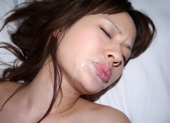 女の子の口からザーメンがあふれてる様がガチで卑猥wwwwwwww0012shikogin