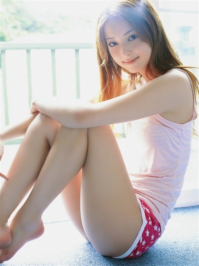 女の子の体育座りで選りすぐりのエロいアングルがこちらwww0003shikogin