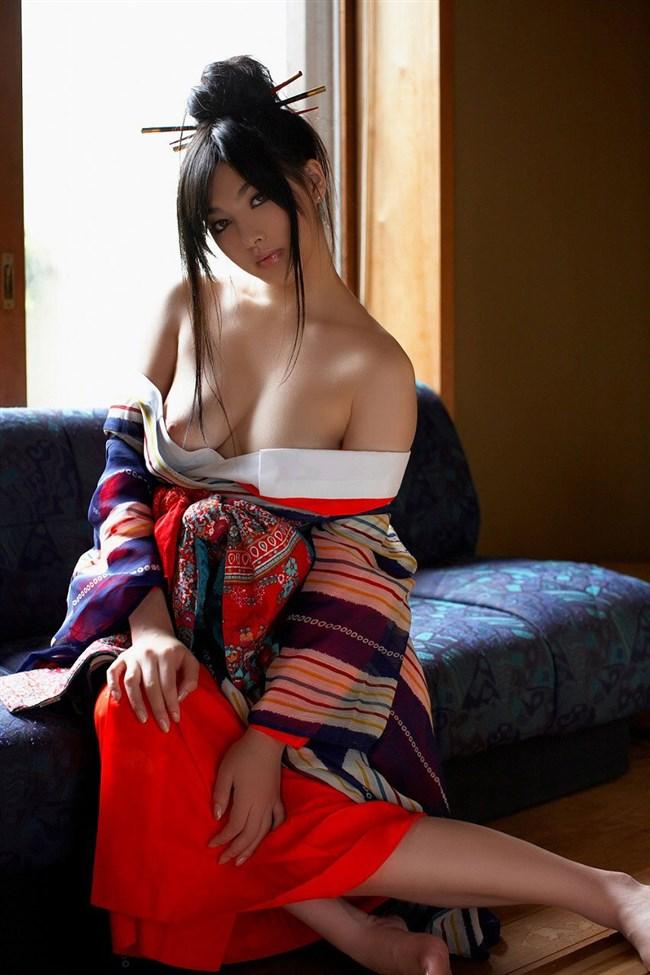 外国人からしたら日本の着物美人とのセックスとか羨まし過ぎwwwwwww0012shikogin