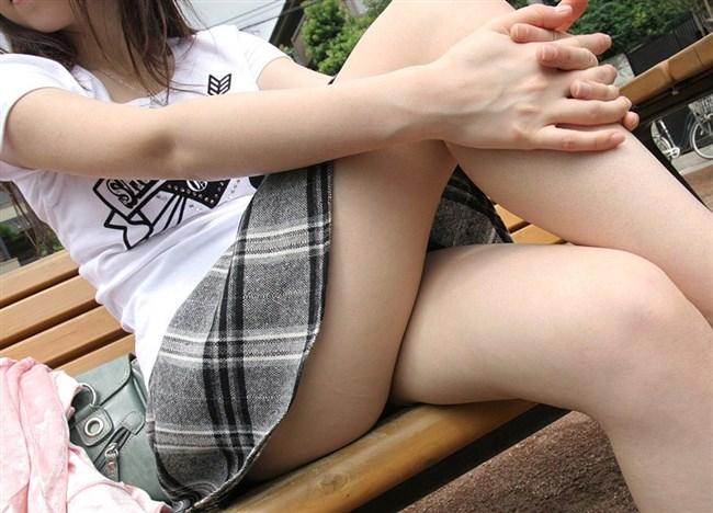 一目で我慢汁が出てしまいそうな美脚と太ももが美味しそうな美女がこちらwwww0011shikogin