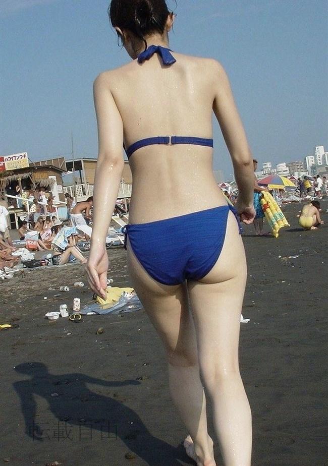 季節外れだから逆に価値がある!ビーチで見られる素人女性の水着姿wwww0016shikogin