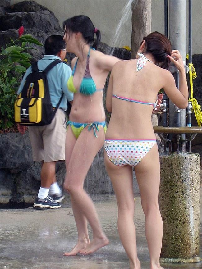 季節外れだから逆に価値がある!ビーチで見られる素人女性の水着姿wwww0003shikogin