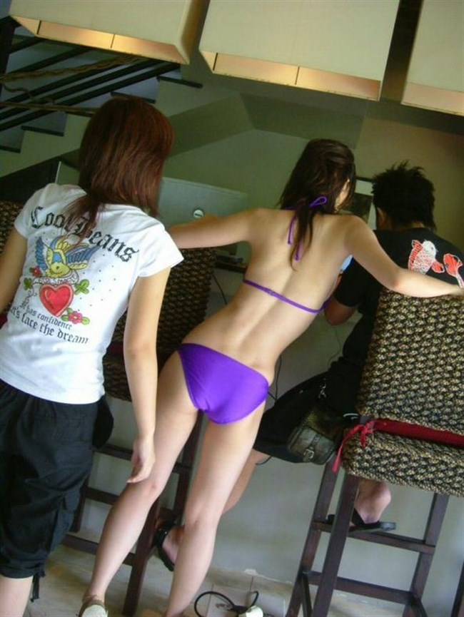 季節外れだから逆に価値がある!ビーチで見られる素人女性の水着姿wwww0005shikogin