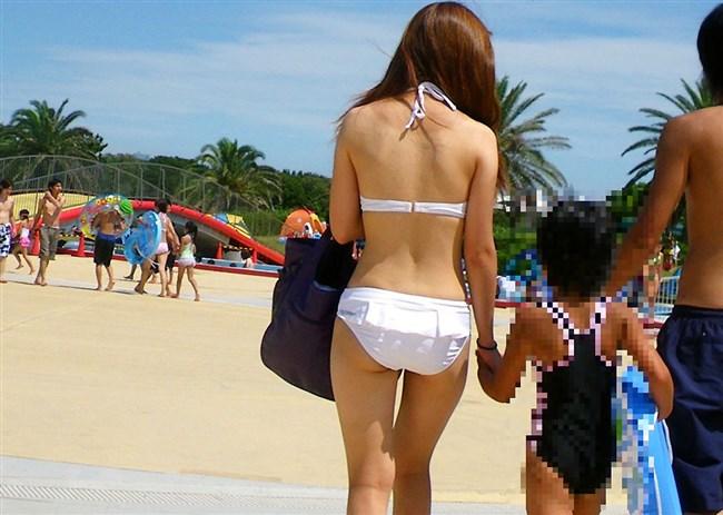 季節外れだから逆に価値がある!ビーチで見られる素人女性の水着姿wwww0006shikogin