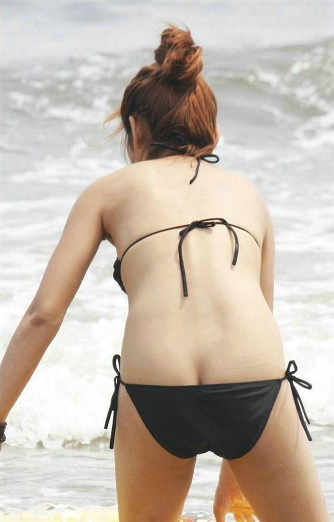 季節外れだから逆に価値がある!ビーチで見られる素人女性の水着姿wwww0009shikogin