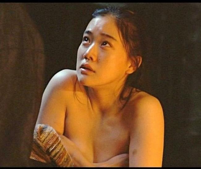 蒼井優~水着姿や胸チラ透けドレス姿などを見ながら山里亮太との今後を語る!0008shikogin