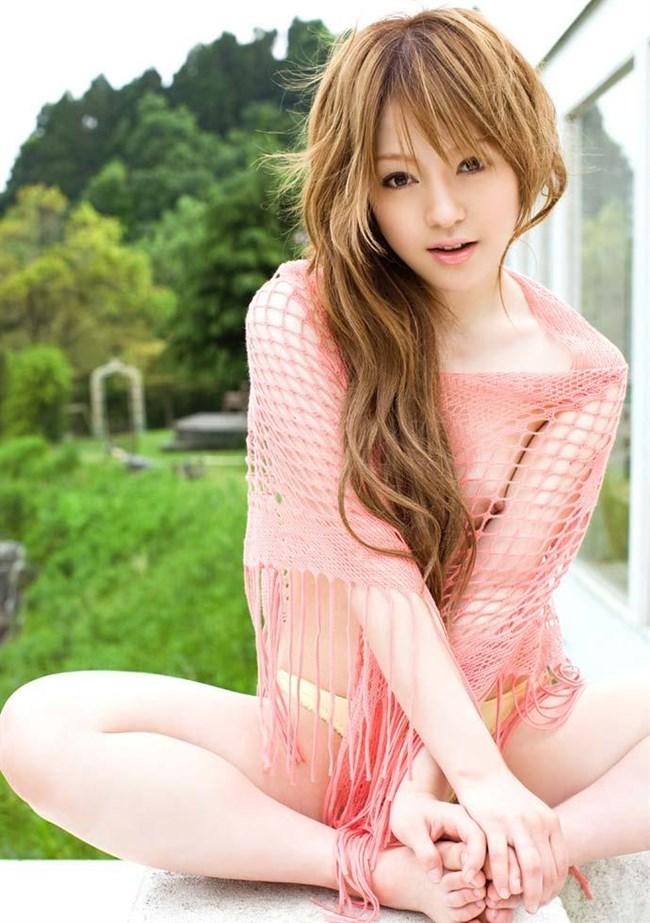 ピンク色の下着で可愛さが倍増中!下着姿の綺麗なお姉さんwwww0013shikogin