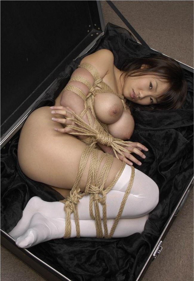 縄が肌に食い込む快感でおま〇こ濡らす…緊縛プレイに虜のドM女wwww0008shikogin