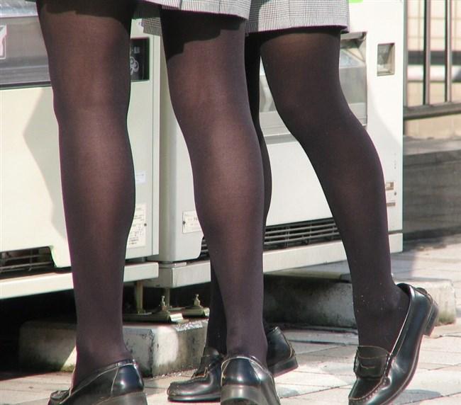 極寒な真冬だから…黒ストッキング盗撮画像の美脚でほっこりwwww0020shikogin