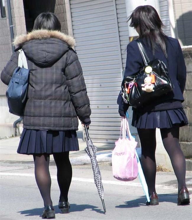 極寒な真冬だから…黒ストッキング盗撮画像の美脚でほっこりwwww0003shikogin