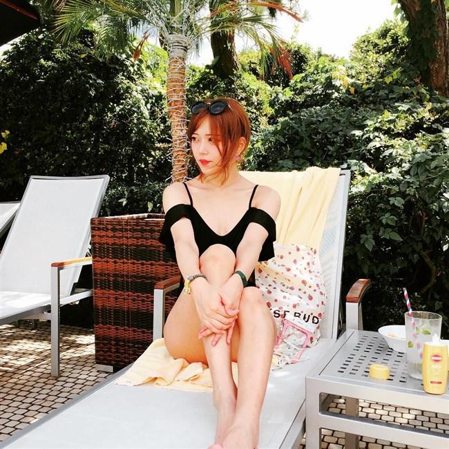 原田まりる~美人小説家がNHKで胸チラしまくりの大胆ストレッチを見せた!0009shikogin