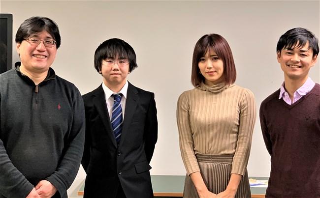 原田まりる~美人小説家がNHKで胸チラしまくりの大胆ストレッチを見せた!0012shikogin