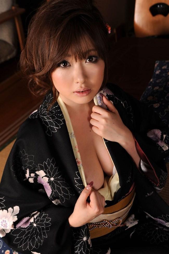 普段着より格段に興奮する浴衣美女や着物美女のえちえち行為wwwww0022shikogin