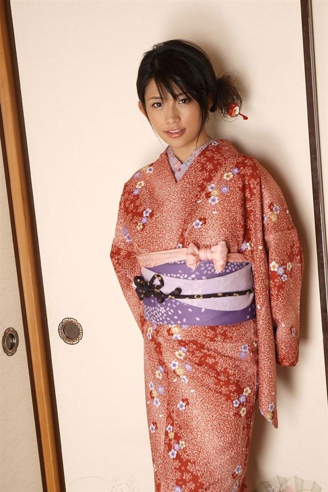 普段着より格段に興奮する浴衣美女や着物美女のえちえち行為wwwww0011shikogin