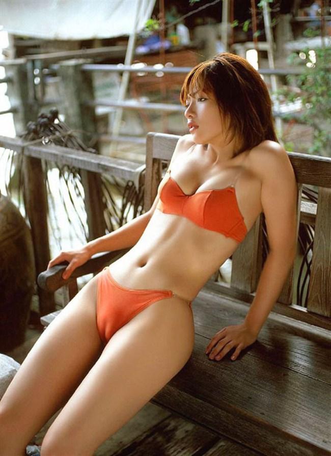 股間の一本線が気になって仕方ない!美しいマンスジが浮き出る女体www0018shikogin