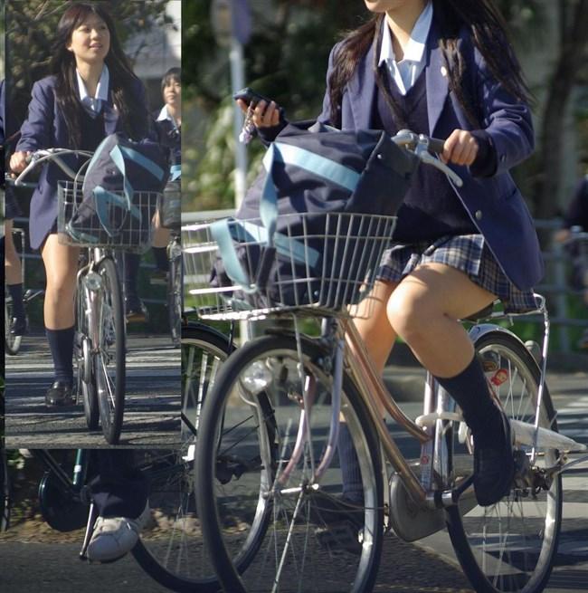自転車にまたがることで太ももが更に露出してるJKの姿がハレンチ過ぎwwww0014shikogin