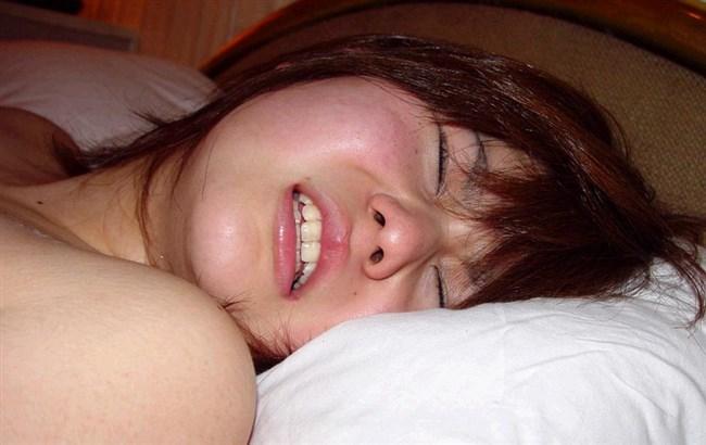 熱いち〇ぽを挿入された時の女性のアクメ顔が抜けるwwww0009shikogin