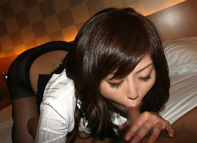 一生懸命小さい口でバキュームフェラしてるお姉さんの表情wwwwww0003shikogin