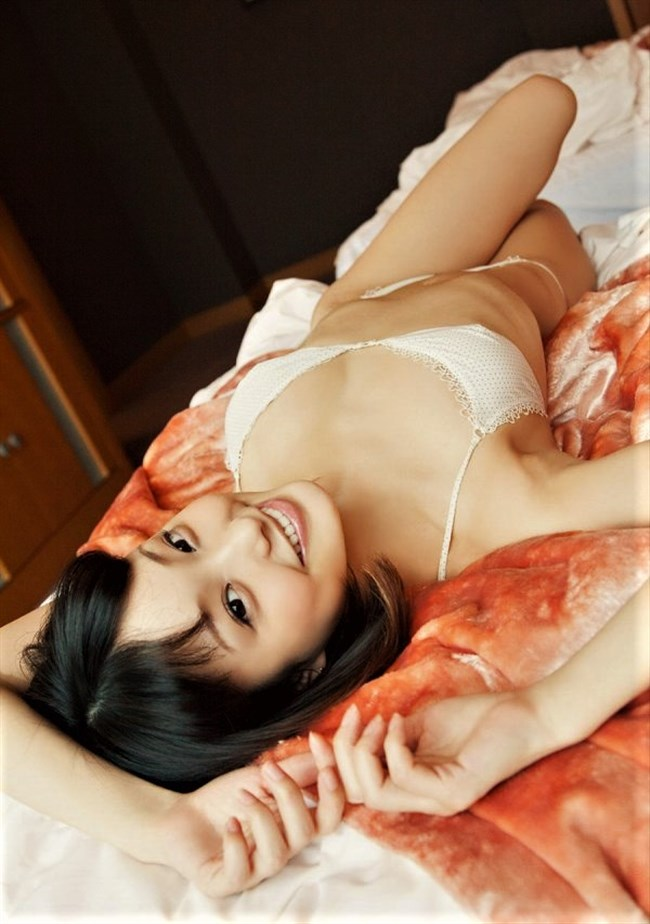 水谷望愛~水着と下着姿のグラビアが超セクシーで可愛いのでイベントに会いに行きたい!0010shikogin