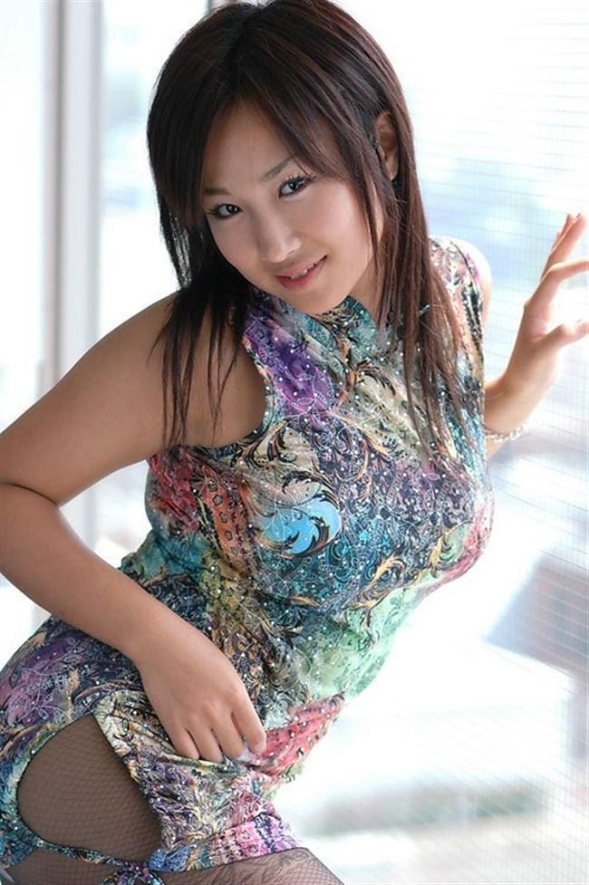 サイドの深いスリットが妙にえちえちなチャイナドレスの魅力www0005shikogin