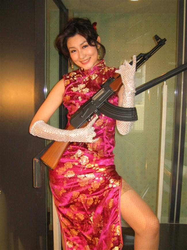 サイドの深いスリットが妙にえちえちなチャイナドレスの魅力www0011shikogin