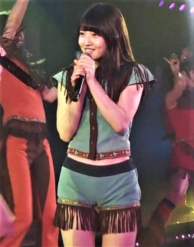 村山彩希[AKB48]~マンスジくっきりのショーパン姿にドキリ!胸チラで乳輪露出も!?0004shikogin