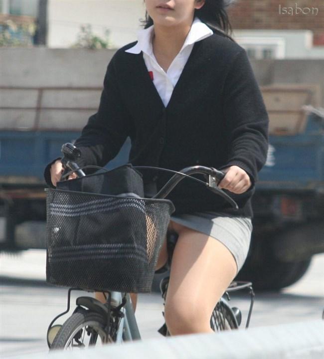 無防備過ぎるミニスカ女子の自転車乗る姿に釘付けwwww0005shikogin