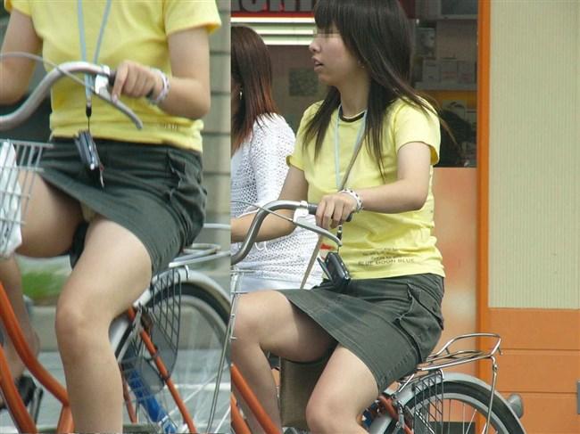 無防備過ぎるミニスカ女子の自転車乗る姿に釘付けwwww0018shikogin