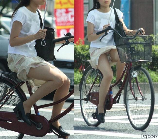 無防備過ぎるミニスカ女子の自転車乗る姿に釘付けwwww0021shikogin