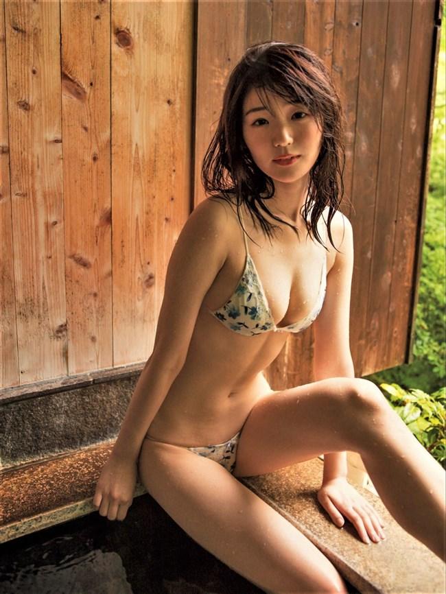 長谷川かすみ~FRIDAYの水着グラビアがエロ過ぎて衝撃!Eカップの美乳が最高!0010shikogin