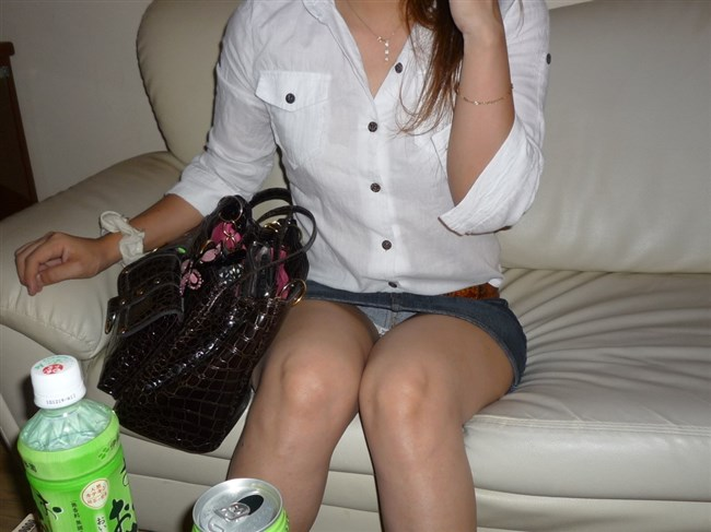 夏が恋しくなるミニスカ女子のパンチラを拝めた瞬間wwwww0015shikogin