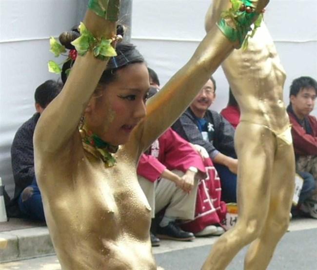 祭りやイベントで下着姿やおっぱいを晒す素人女性wwwwww0009shikogin