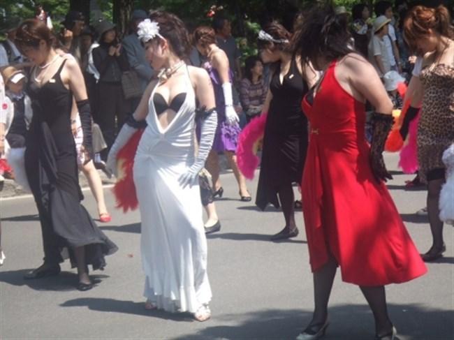 祭りやイベントで下着姿やおっぱいを晒す素人女性wwwwww0008shikogin