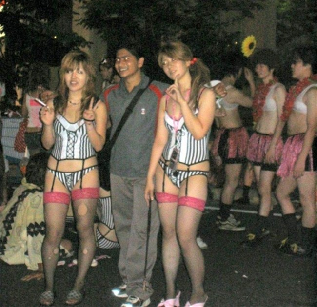 祭りやイベントで下着姿やおっぱいを晒す素人女性wwwwww0020shikogin