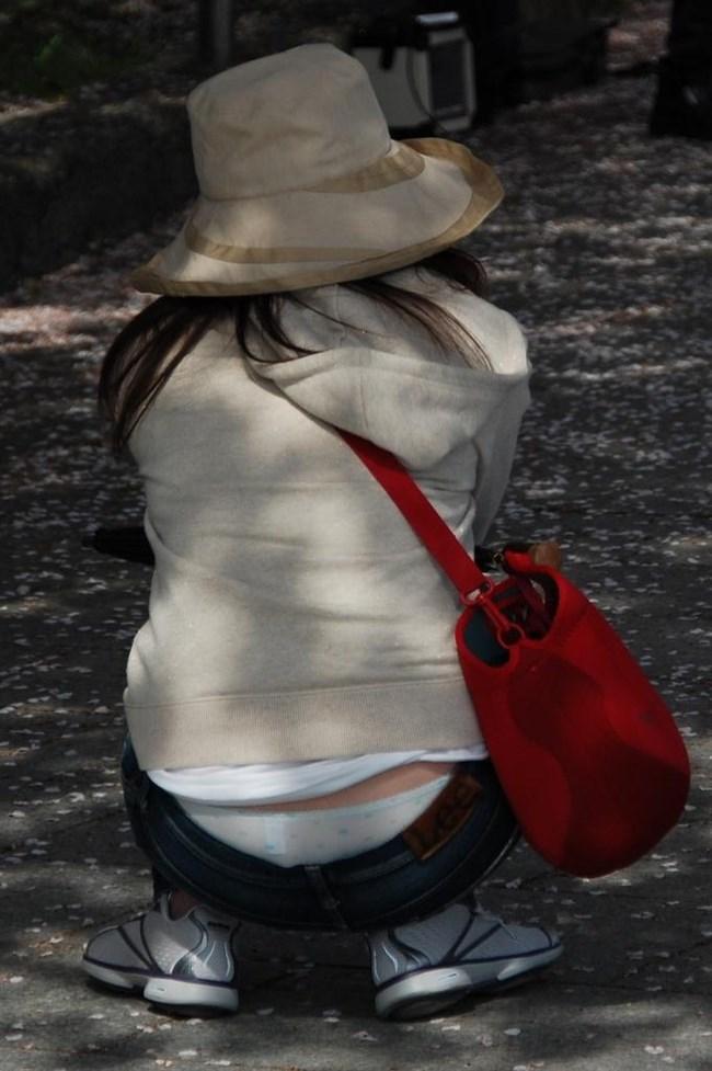 ローライズパンツでしゃがむからパンモロしてる素人女性がえちえちwwwww0029shikogin