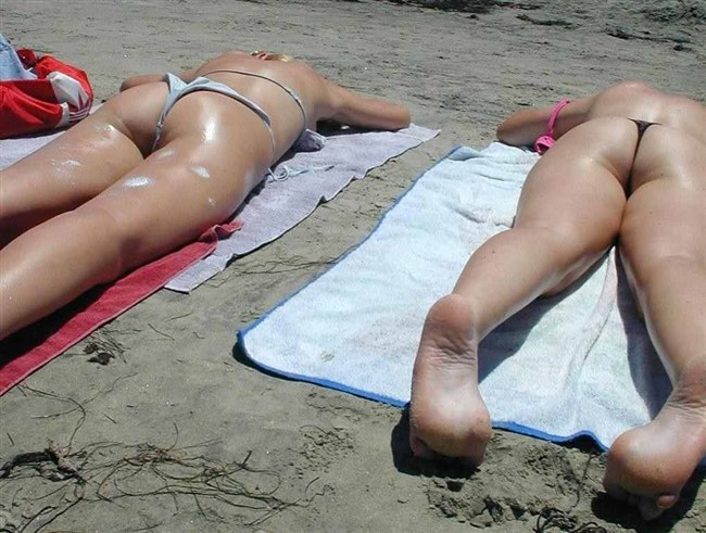 ビーチではしゃぐ一般女子ですぐさま抜きたくなるえちえちな瞬間wwwww0023shikogin