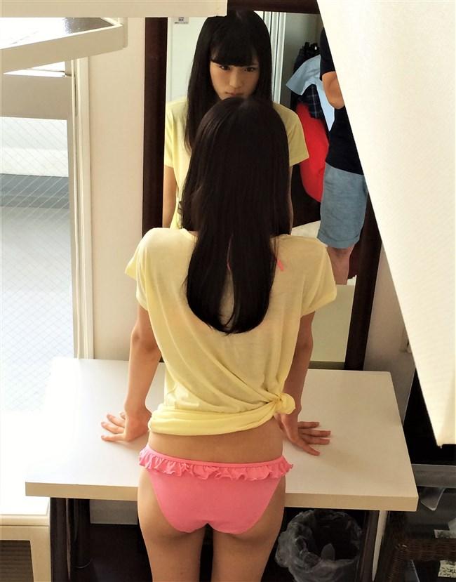 渋谷凪咲[NMB48]~プリプリのヒップを大胆に見せた水着姿にクラッ!エロボディー過ぎ!0007shikogin