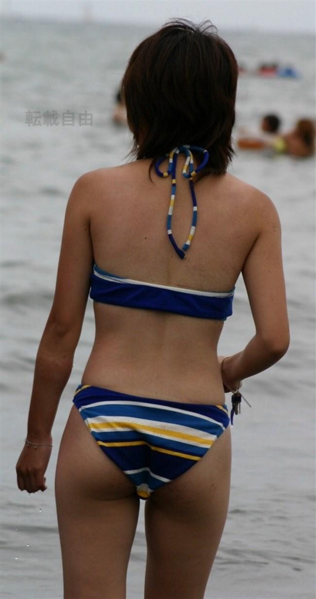 ビーチギャルの無防備なおっぱいや股間を盗撮した渾身の画像www0032shikogin