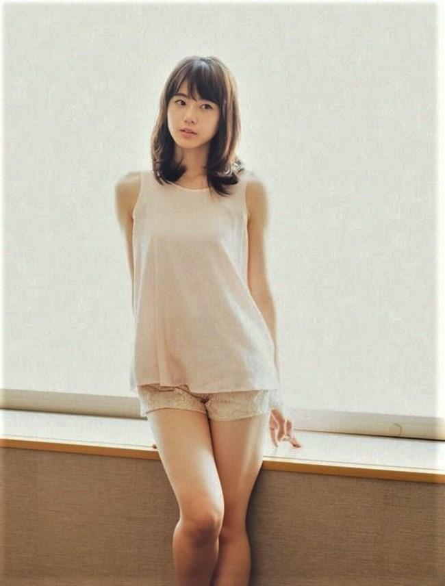 瀧野由美子[STU48]~薄手のキャミと短パン姿のグラビアが水着姿以上にエロくて超興奮!0006shikogin
