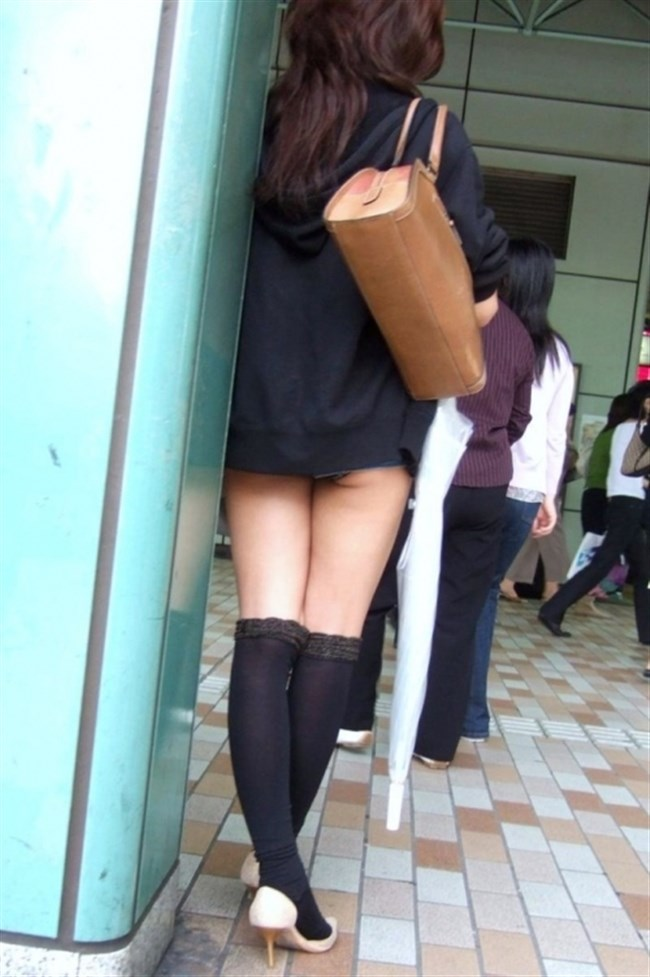 無差別に男性の股間を熱くさせる露出度の高い洋服を着る女wwww0003shikogin