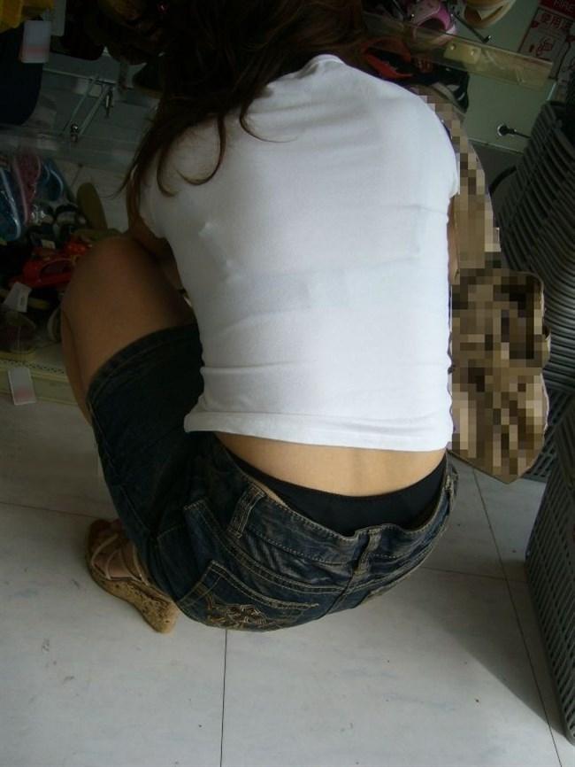 股上の浅いパンツを履いた女がしゃがむと高確率でこうなるwwwwww0015shikogin
